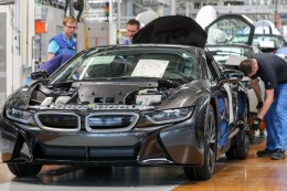 Weltweit 23 Fabriken: BMW will nur noch mit Ökostrom produzieren