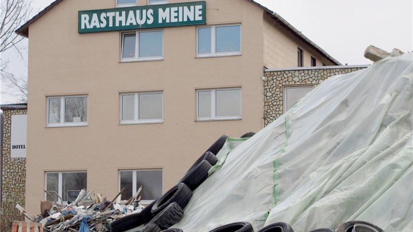 landkreis soll asbest m ll auf eigene kosten entfernen umland salzgitter zeitung. Black Bedroom Furniture Sets. Home Design Ideas