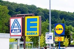 Lebensmitteleinzelhandel: Merkel lädt Aldi- und Lidl-Chefs wegen Niedrigpreisen ein